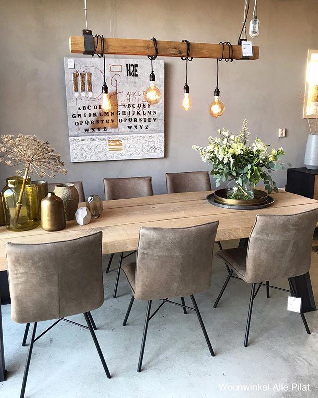 """Woonwinkel Alle Pilat on Instagram: """"Nieuw hoekje in de winkel: boomstam tafel Beam, stoelen Esra en hanglamp Eik! De stoelen Esra zijn nu in de actie! #woonwinkelallepilat…"""""""