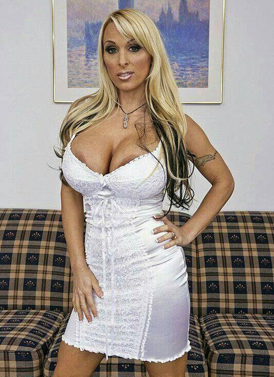 sexy mature women. http://hookamilf/ | women | pinterest