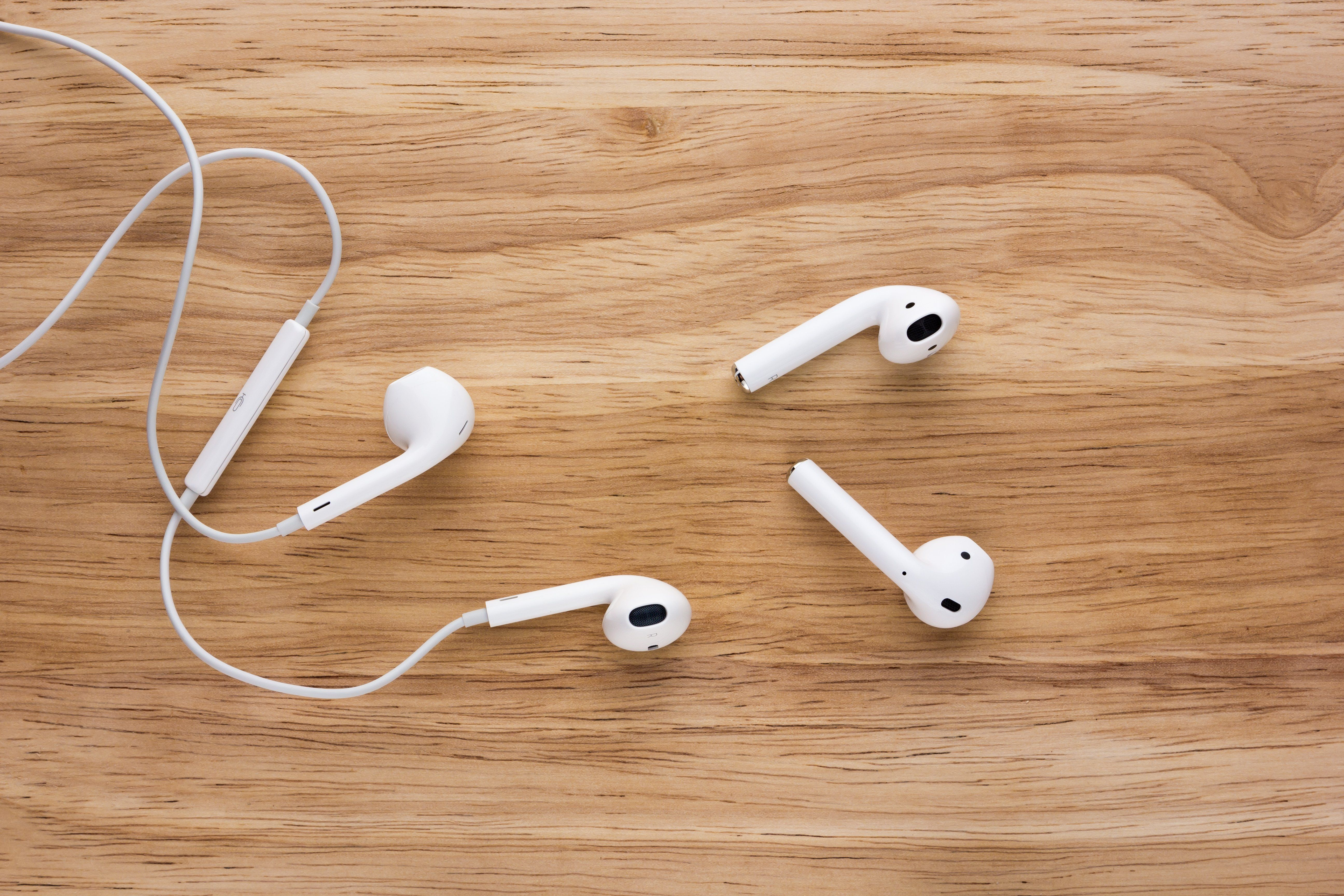 14 Things You Didn T Know Your Earpods And Airpods Could Do In 2020 Iphone Headphones Headphone Tricks Iphone Info