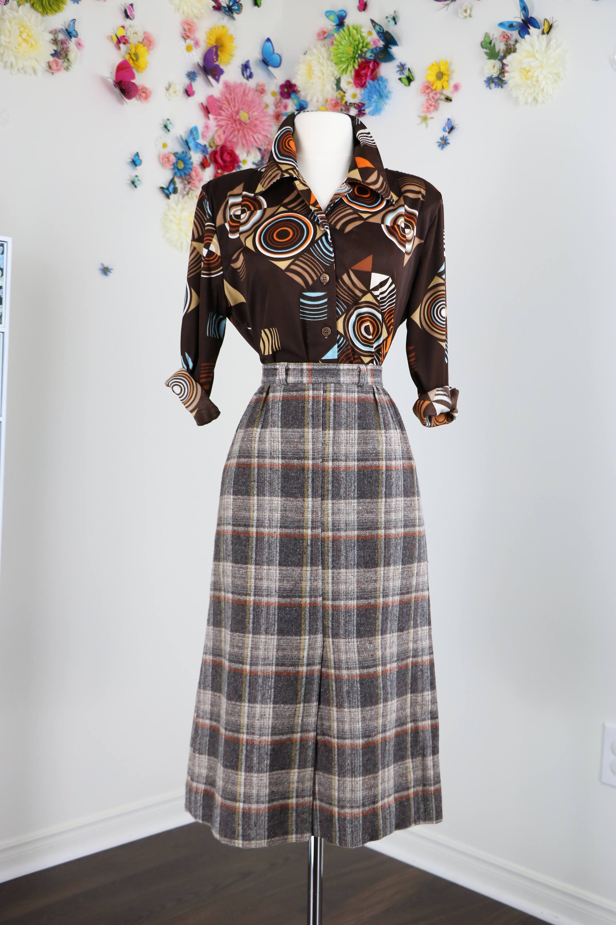 fa477ff7d 1950s Vintage Plaid Patterned Wool A-line Midi Skirt Front Slit Brown Grey  White Gold Size Extra Small Or Small 26
