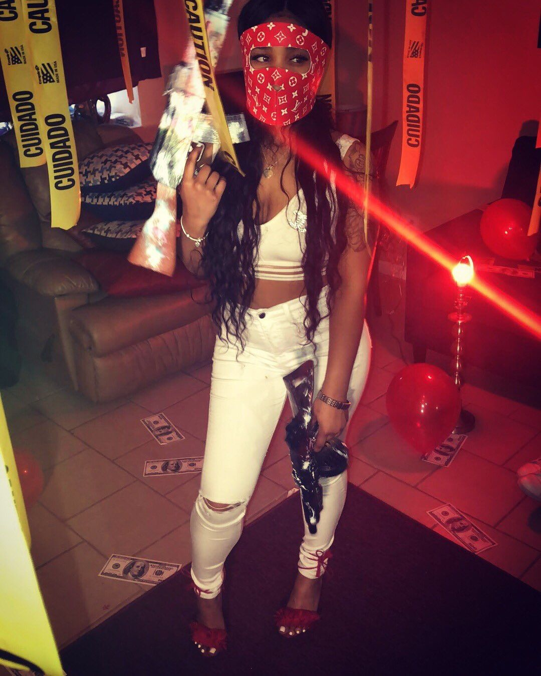 pintrest//babylaaa   Thug girl, Gangsta girl, Bad girl ...