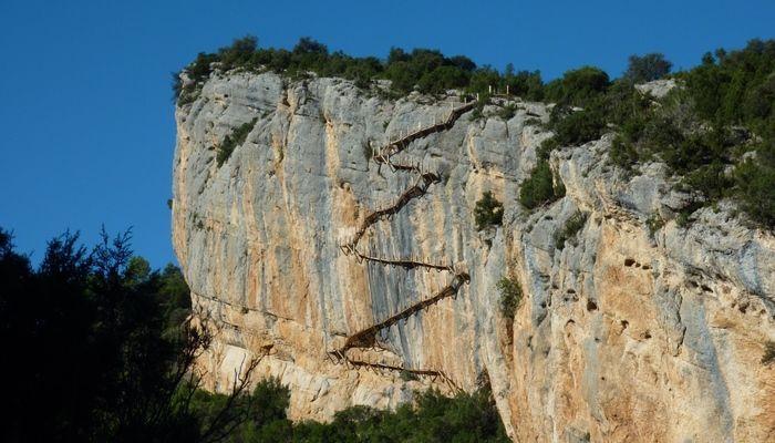 ermita de la Mare de Dèu de Pertusa y el congost de Mont-rebei (Huesca)