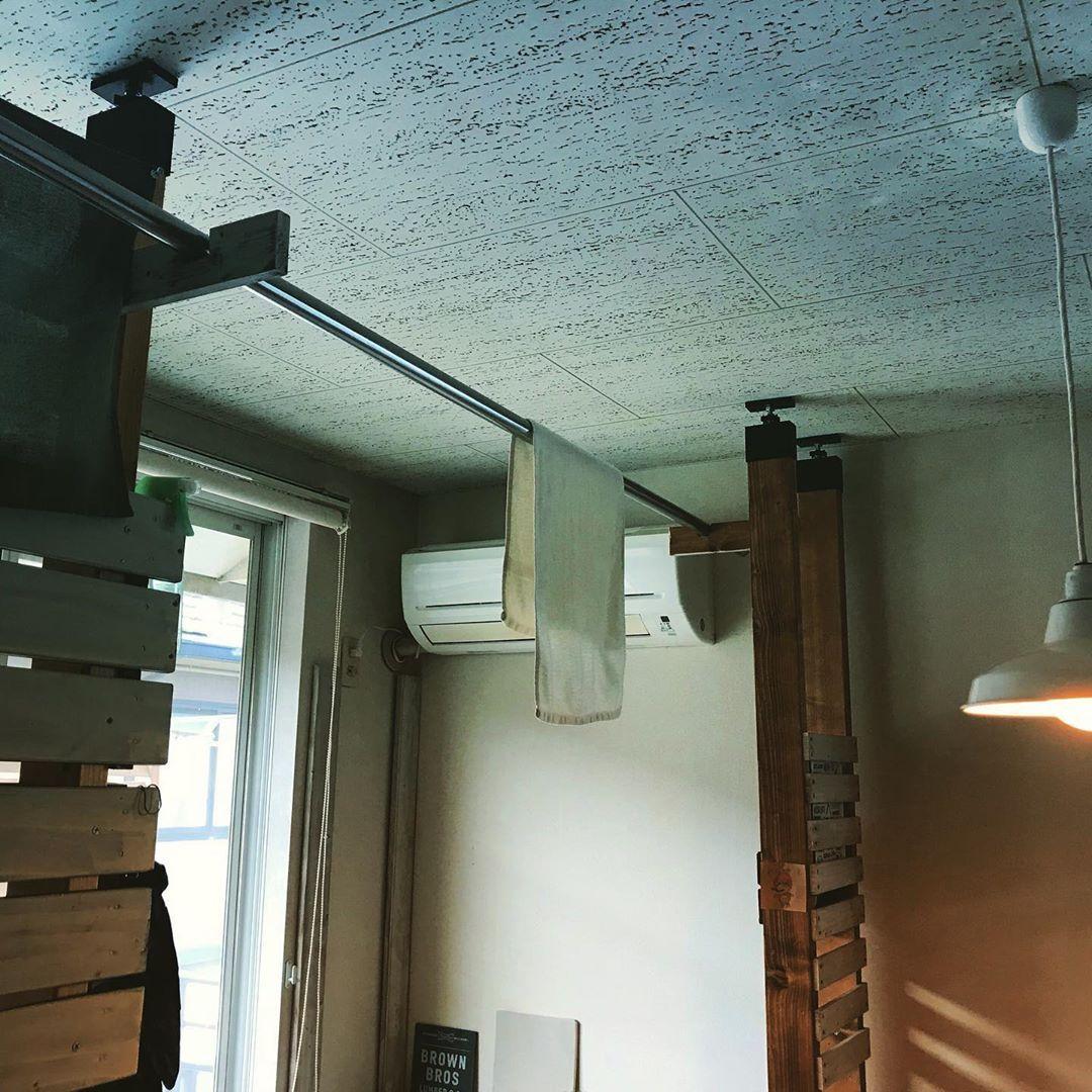 天井に突っ張って柱を作るパーツは多数あれど 格好良さナンバーワン