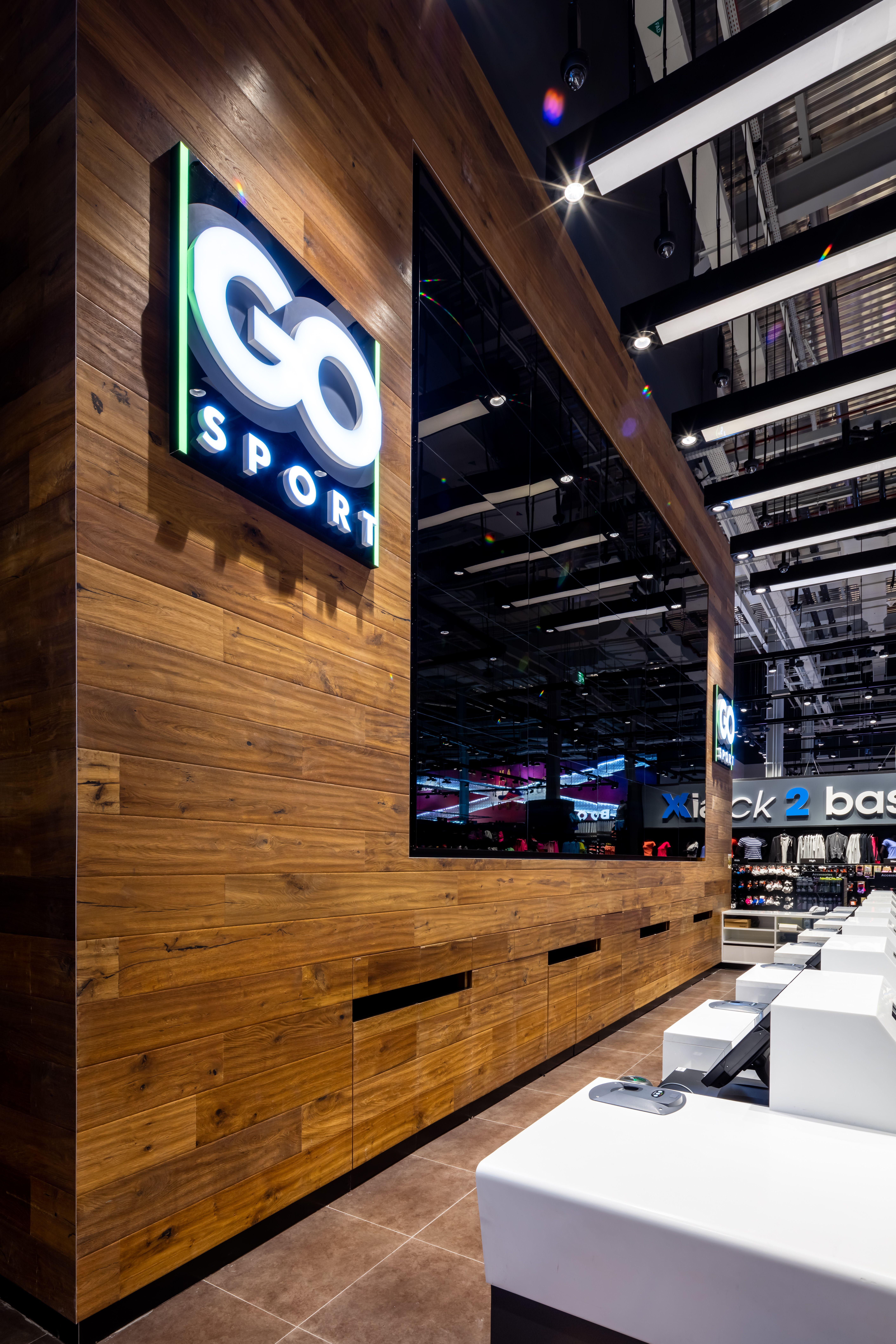 GO Sport Mall of the Emirates Kährs Oak Earth & Kährs
