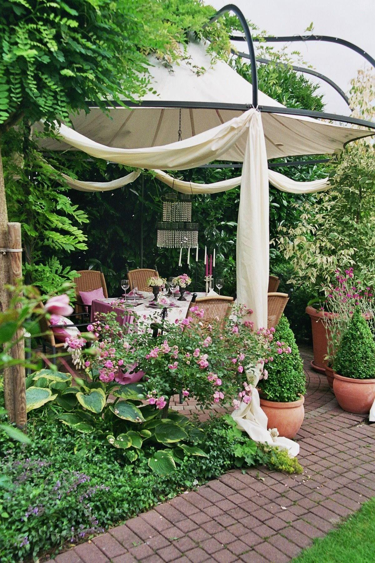 pavillon im feng-shui-garten - wohnen und garten foto | garten, Garten ideen