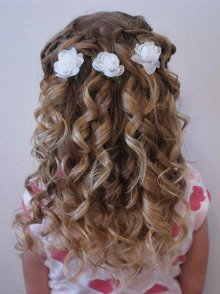 Hochzeit Frisuren für Kinder  Kinderfrisuren, Kommunion frisur