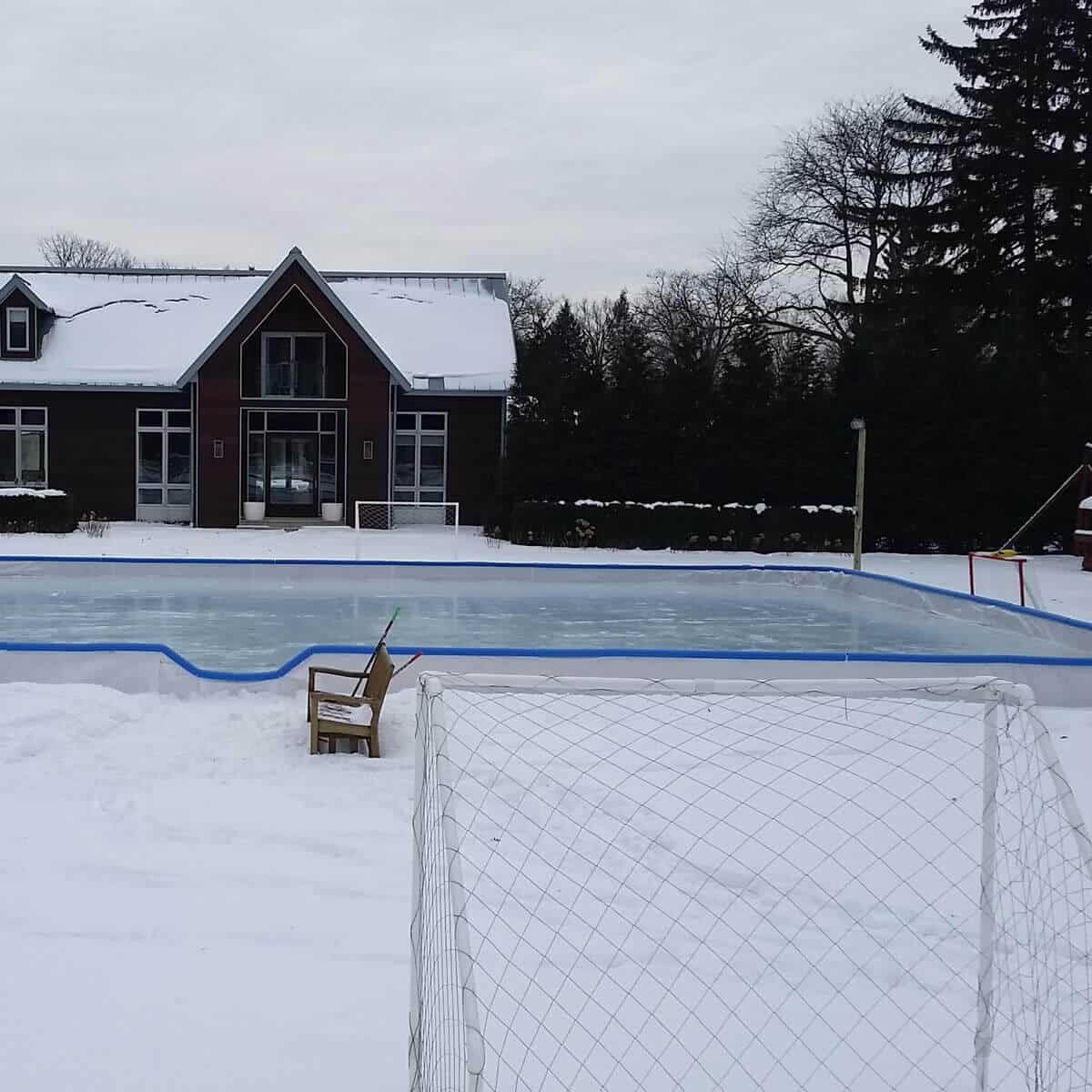 10 Ways How To Build A Backyard Ice Rink Ideas