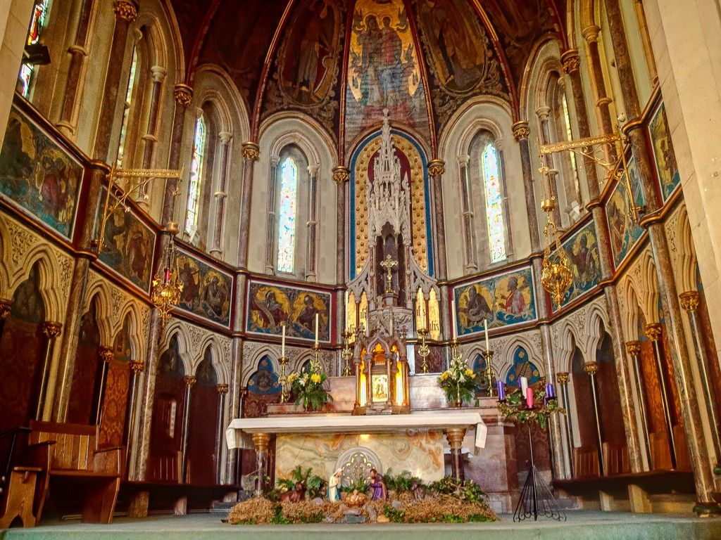the chancel of the roman catholic church of the holy ghost in