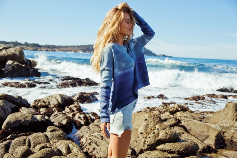 593aa790006c A comfy pull over sweater and denim shorts for American Eagle Outfitters  unveils spring 2016 collection lookbook photoshoot