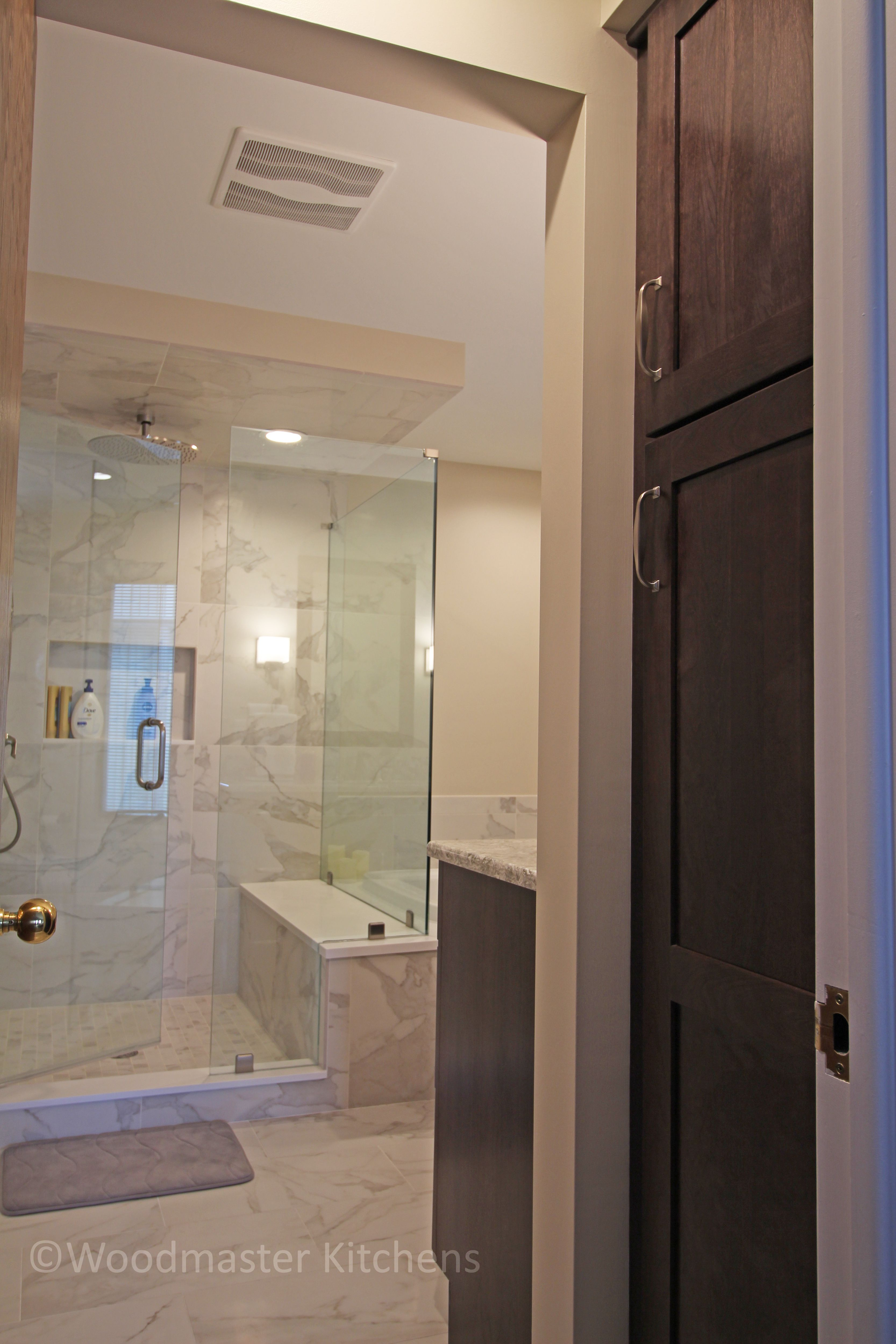 This Transitional Bathroom Design Incorporates Contemporary Elements With Natural Features