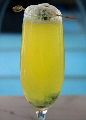 Zombie Halloween Cocktail - It goes straight for your brain - halloween cocktail ideas