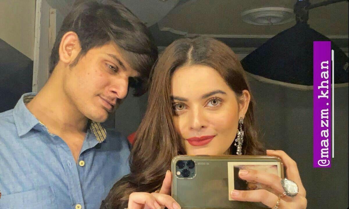 Camila Cabello (With images) | Celebrities, Mirror selfie