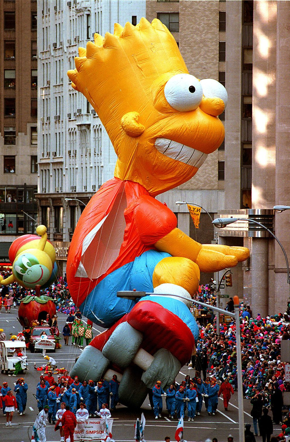 The Macy S Thanksgiving Parade In The 90s Was Pure Perfection Macy S Thanksgiving Day Parade Thanksgiving Parade Macy S Thanksgiving Day Parade