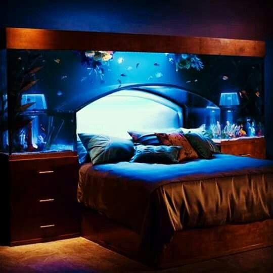 Fish tank bedroom set | Di: Home Decr | Pinterest | Fish ...