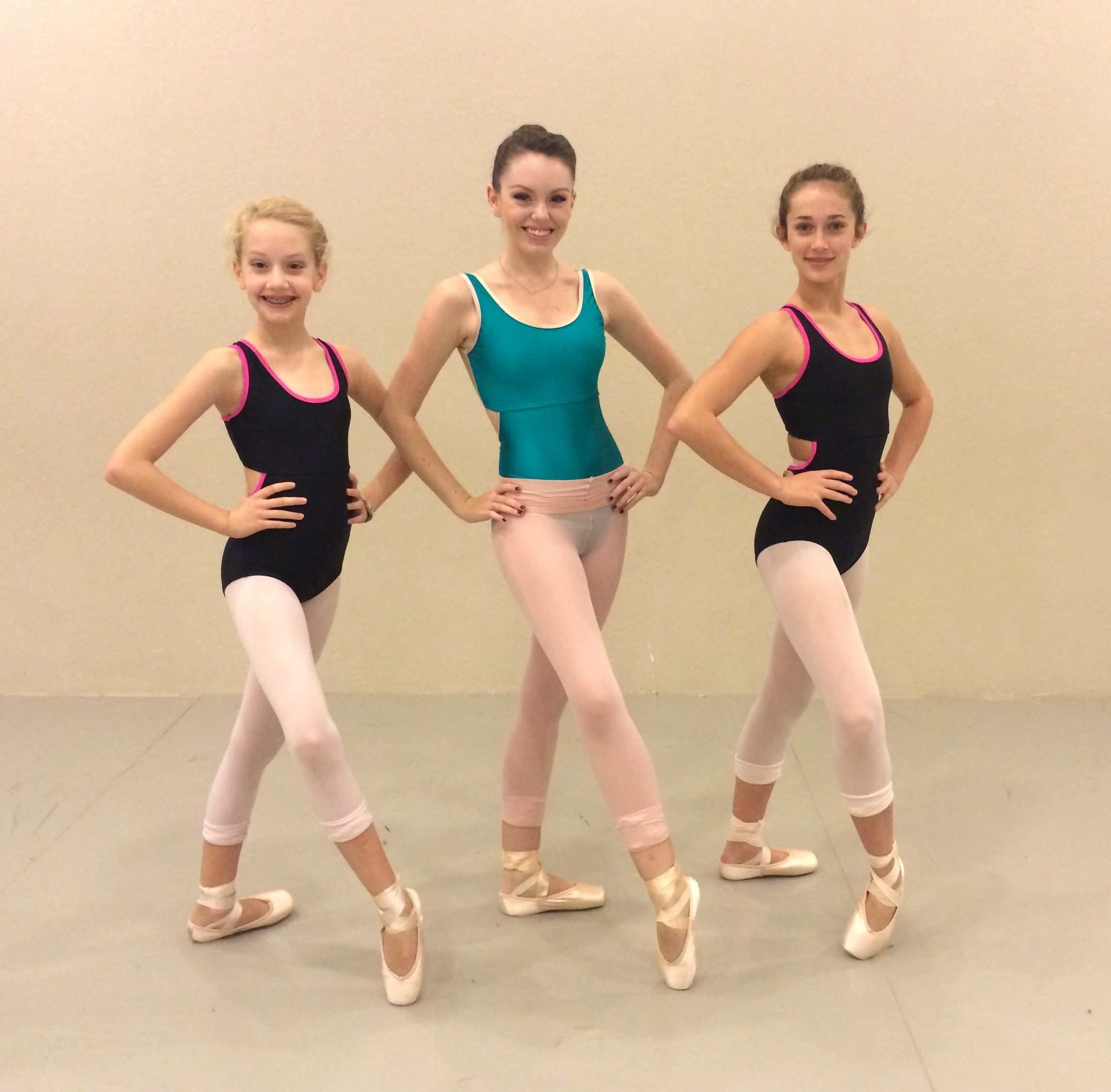 Los Angeles Ballet Company Member Alyssa Harrington And Students From Ballet Center Of Fort Worth Rebekah Harrington And Ale Ballet Companies Girl How To Wear