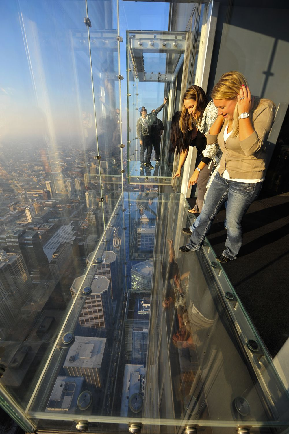 Willis Tower Chicago Il 1 353 Ft Glass Floor Tallest Observatory In America Chicago Travel Skydeck Chicago Willis Tower Skydeck