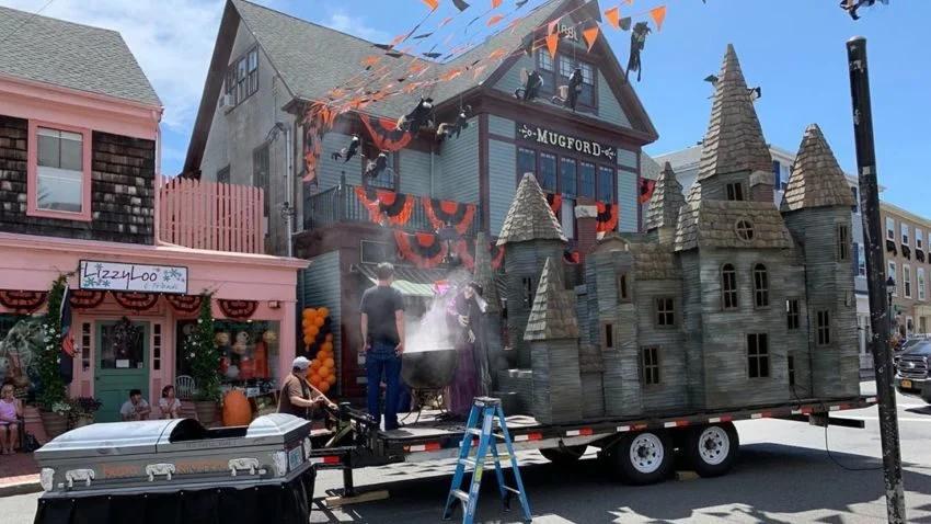 Hubie Halloween Halloween Is Early In Marblehead Danvers And Salem Boston Com Terrifying Halloween Halloween Decorations Scary Halloween Decorations