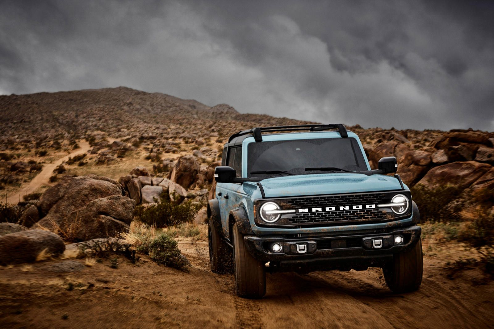 Ford Bronco Vs Jeep Wrangler How Do They Compare Let The 4x4 Rivalry Commence In 2020 Ford Bronco Bronco Sports Bronco