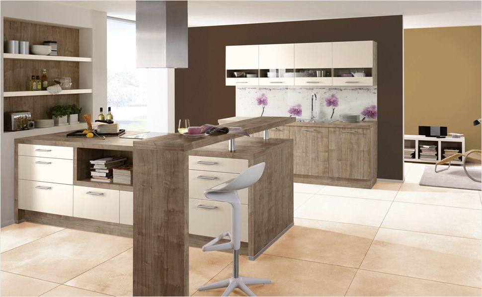 Der praktische Tresen sorgt für Funktionalität Magnolienweiß und - offene küche planen
