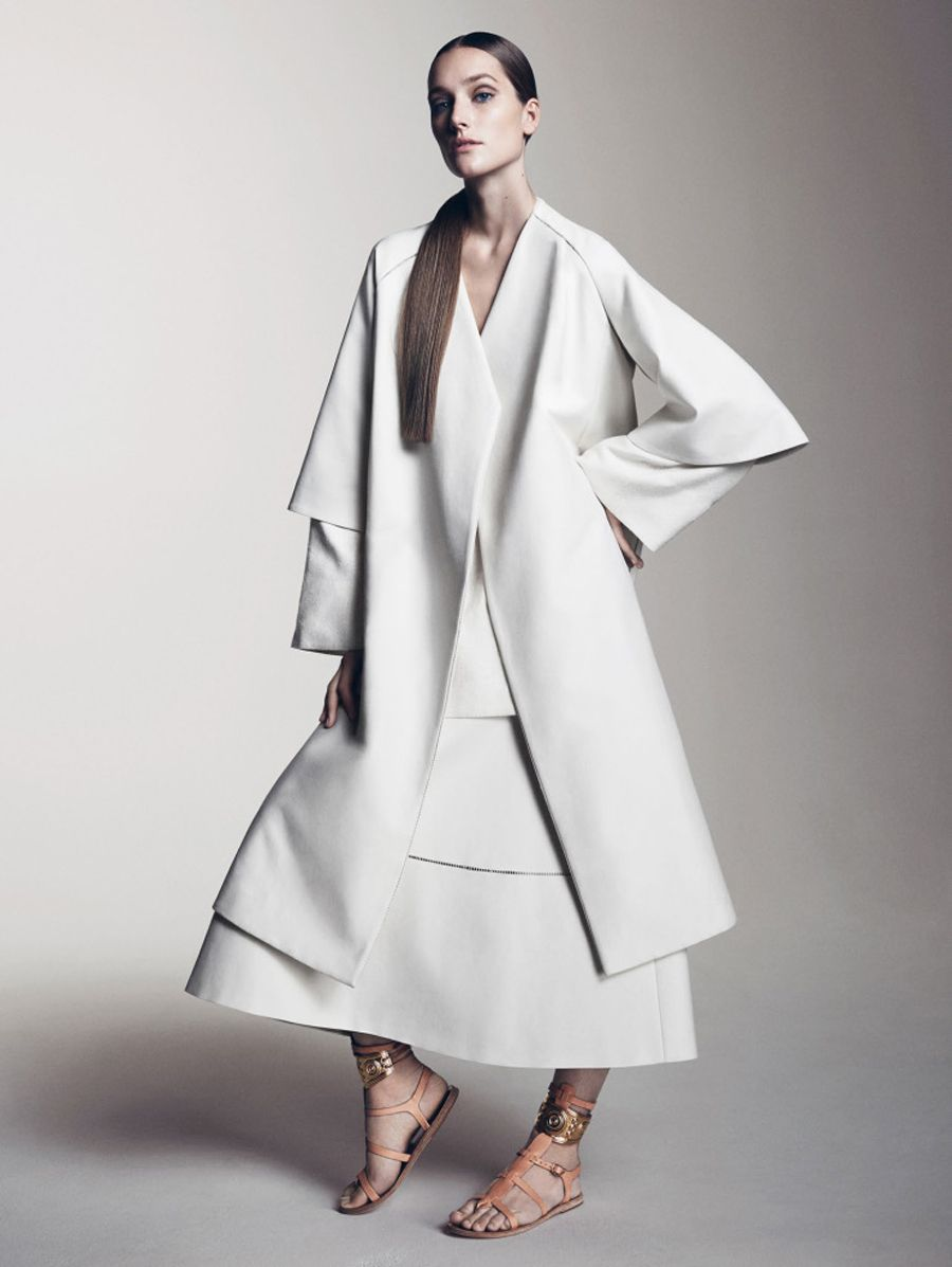 josephine-le-tutour-by-sharif-hamza-for-vogue-china-may-2015-4