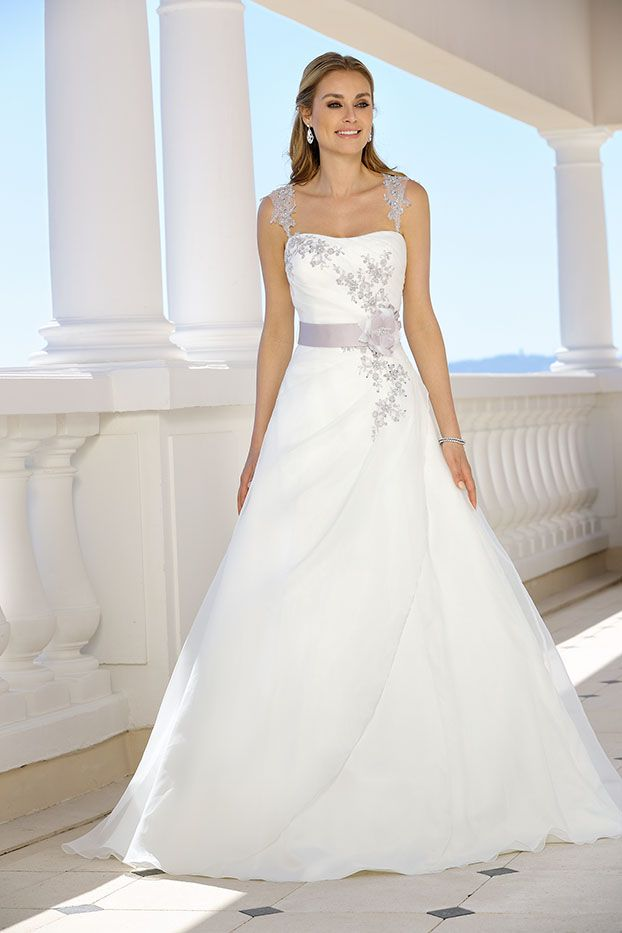 Style 318073 - Ladybird Wedding Dress Collection 2018  648d3a9ac9