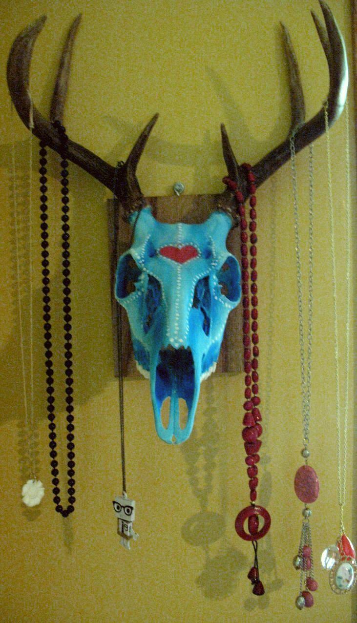 Painted deer skull jewelry holder Paint deer skull desired colors ...