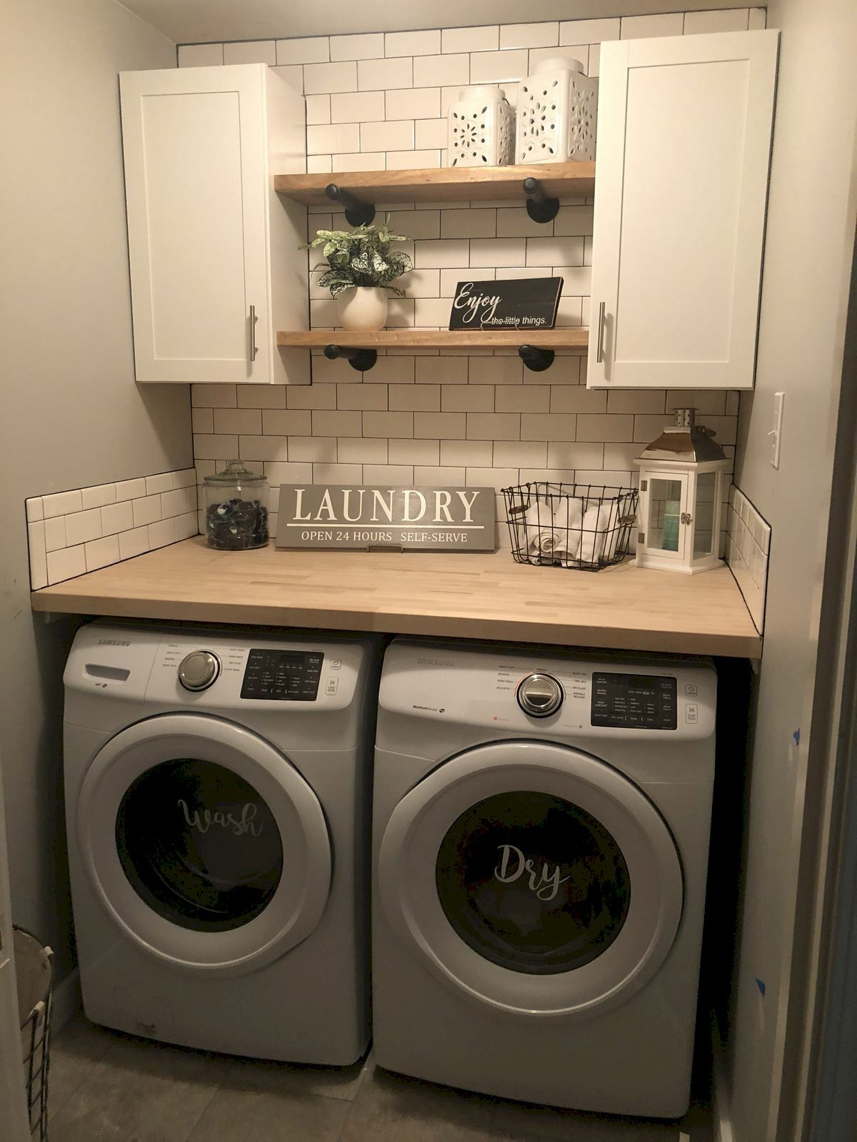 40 Cozy Laundry Room Design and Decor Ideas for Your Home #laundryrooms