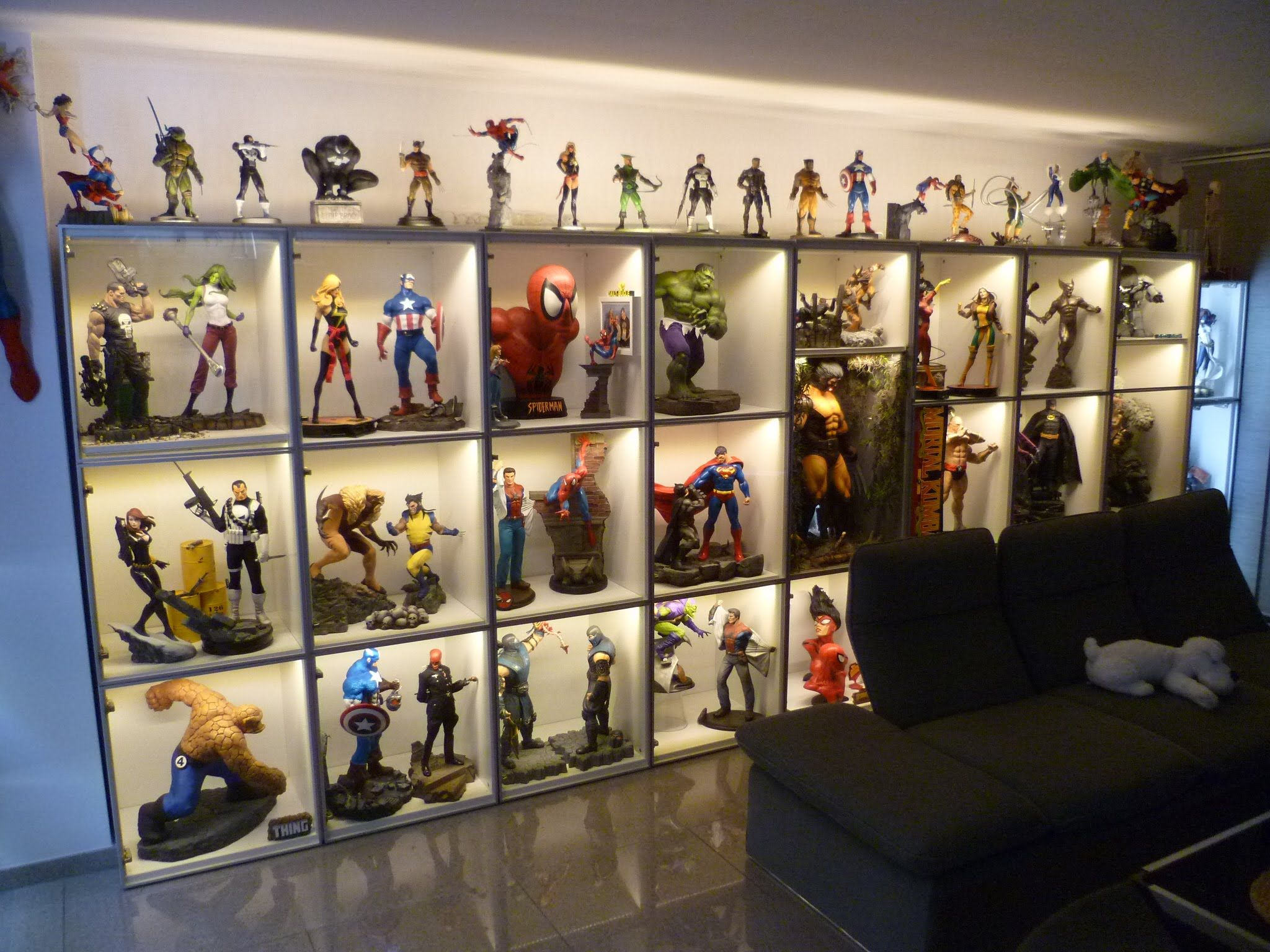 March 2015 Hugh Super Hero Statue Collection And Custom