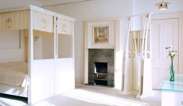 Rennie Mackintosh bedroom