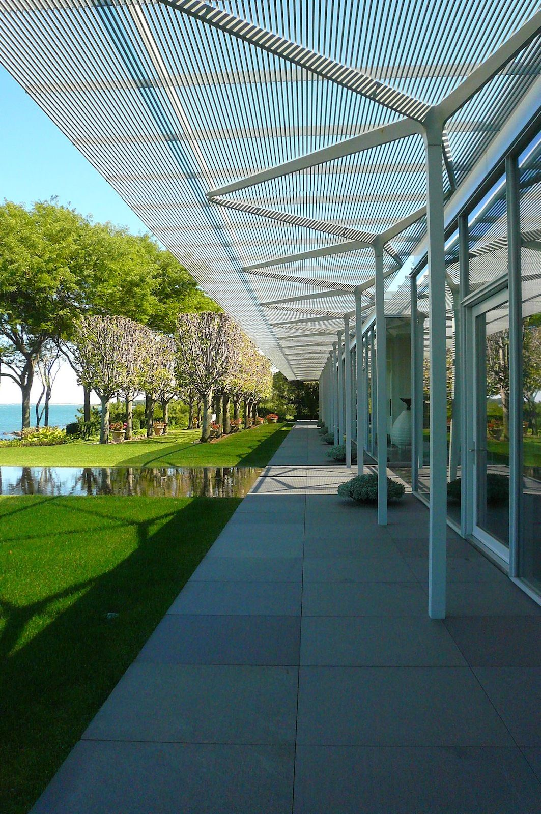 Visiting The Fishers Island House By Jaime Gillin Canopy Design Canopy Architecture Covered Walkway