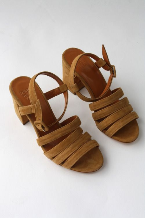d43f18e3583f2d Shoes   The Coolest Block Heels for Summer via