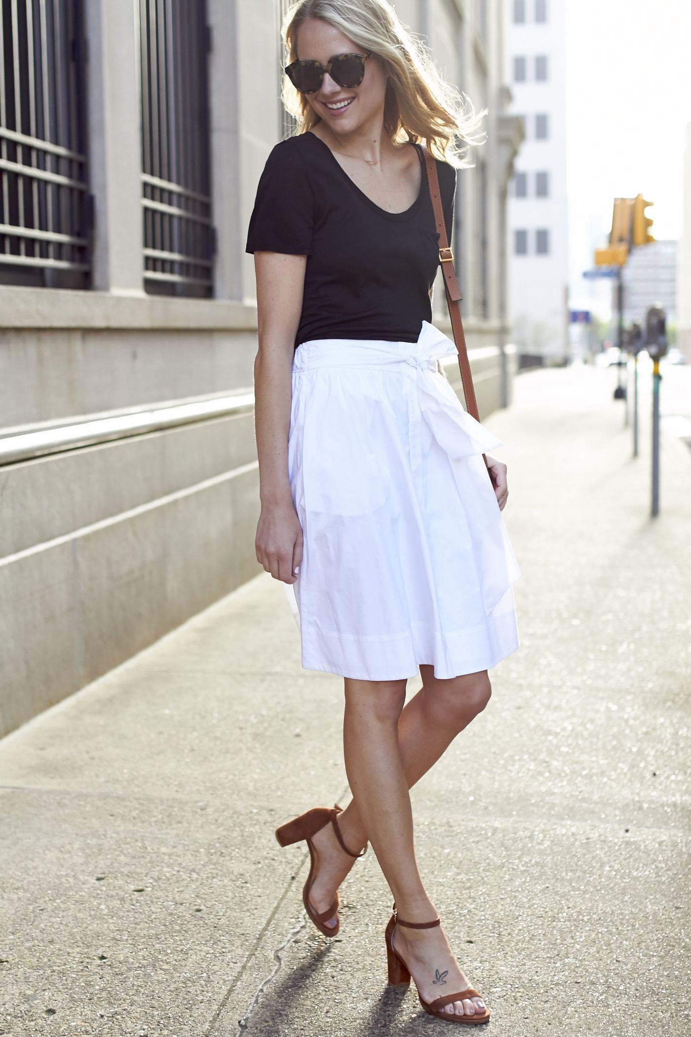 8b83a3e6f18 fashion-jackson-club-monaco-gheraldina-skirt-black-tshirt-stuart-weitzman -nearly-nude-sandals
