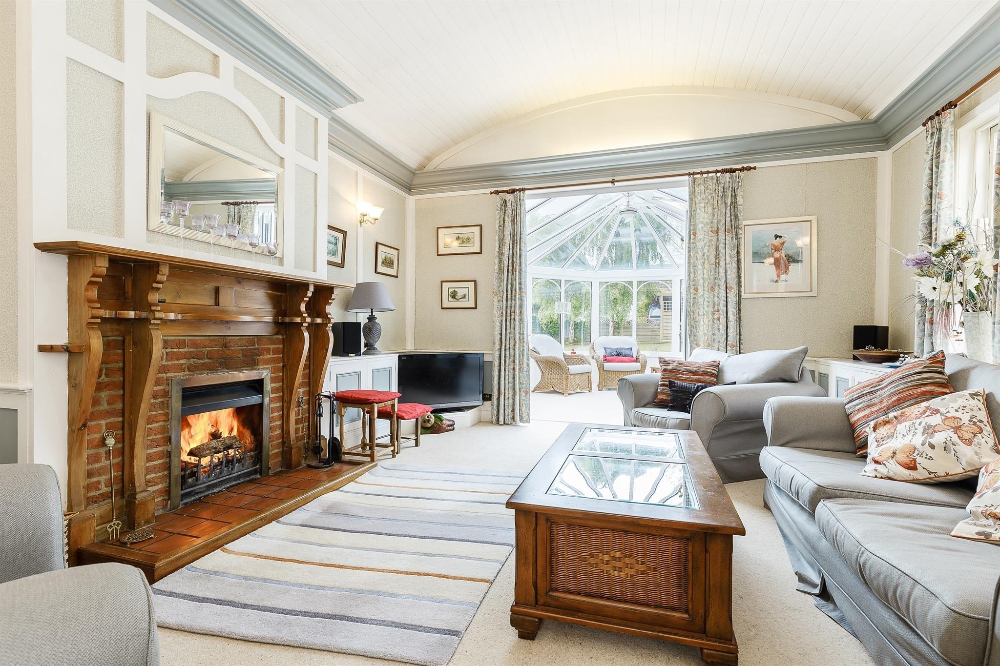 Upper Garston Lane, Bratton, Westbury - 24 bedroom detached