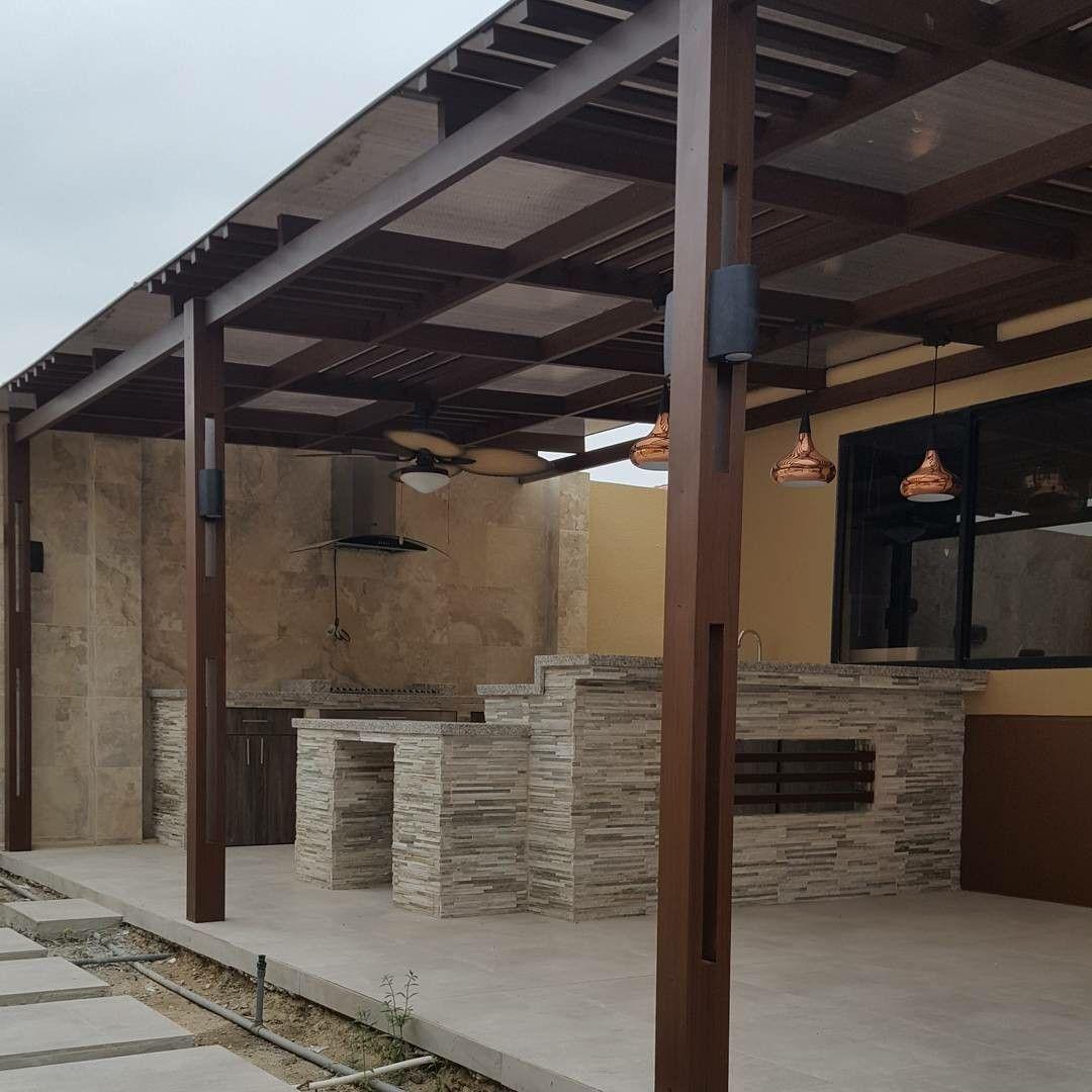 P rgola para patio interior en aluminio maderado y for Pergola policarbonato