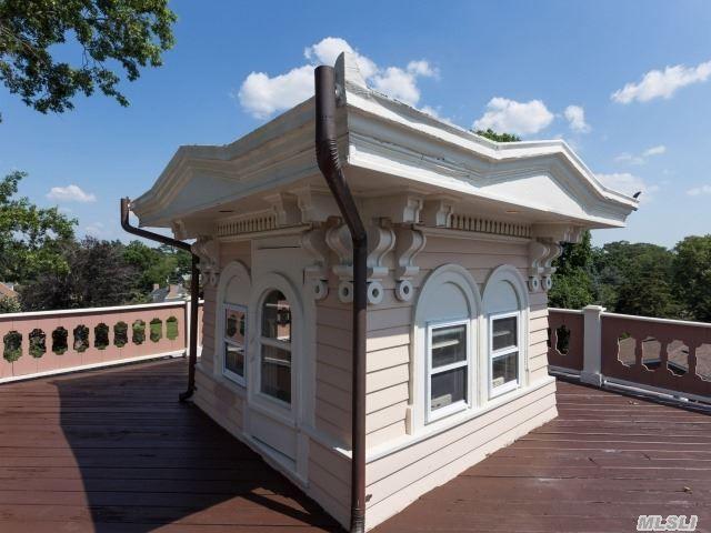 Historic Cupola Of An Apostle Home At 24 Rockaway Ave Garden City