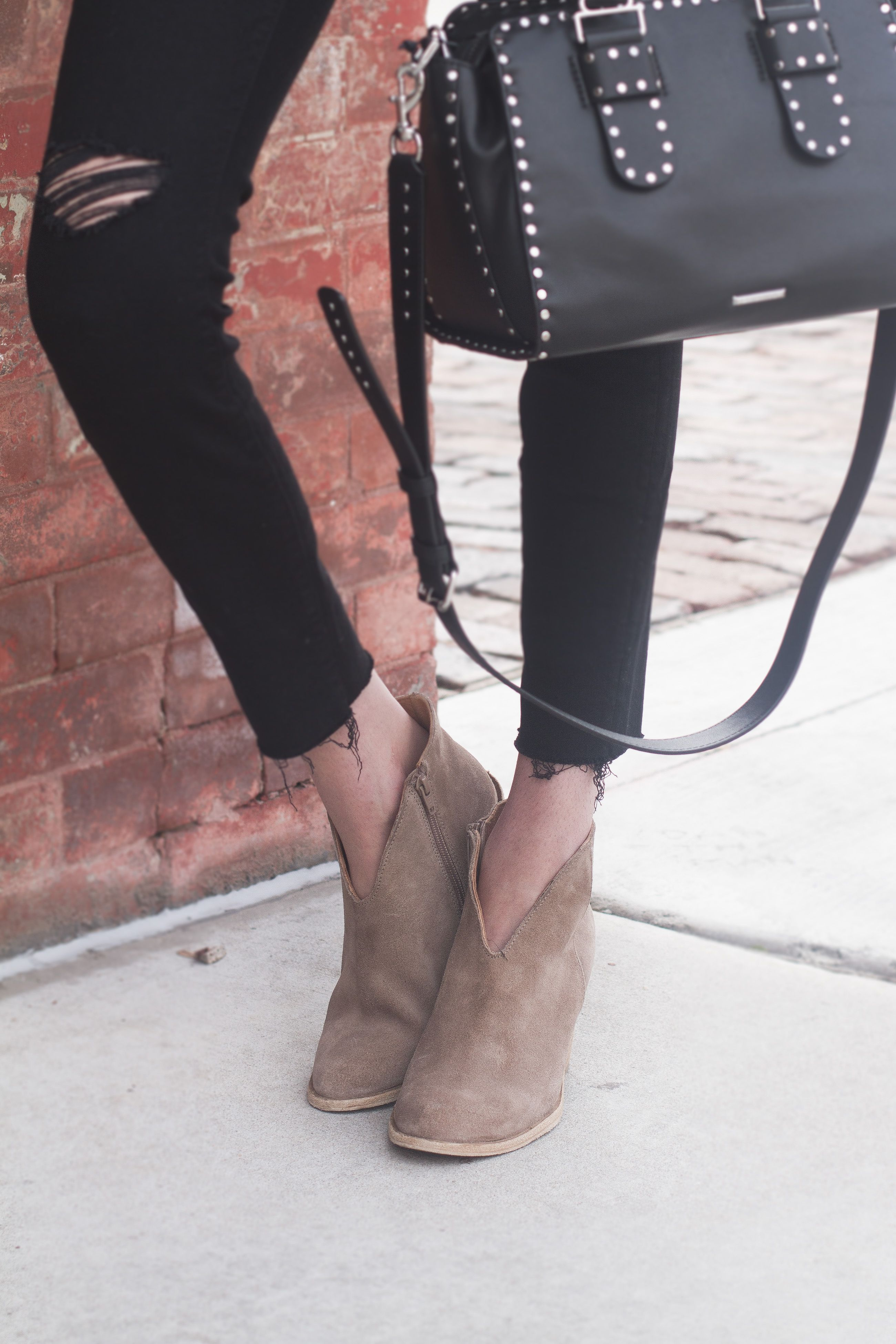 90f5abb27e2 Jeffrey Campbell Kamet Suede Booties    Cute fall shoes