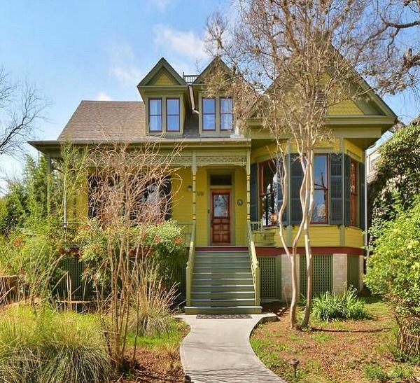 Restoring A Painted Queen Anne Cottage In Austin Modern Family House Cottage Victorian Homes