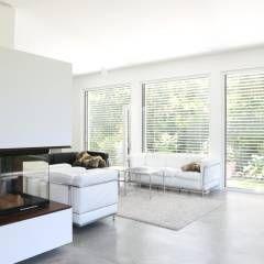 Wohnbereich _ Bauhaus Villa In München: Minimalistisch Wohnzimmer Von  Architekten Team 2P Raum®
