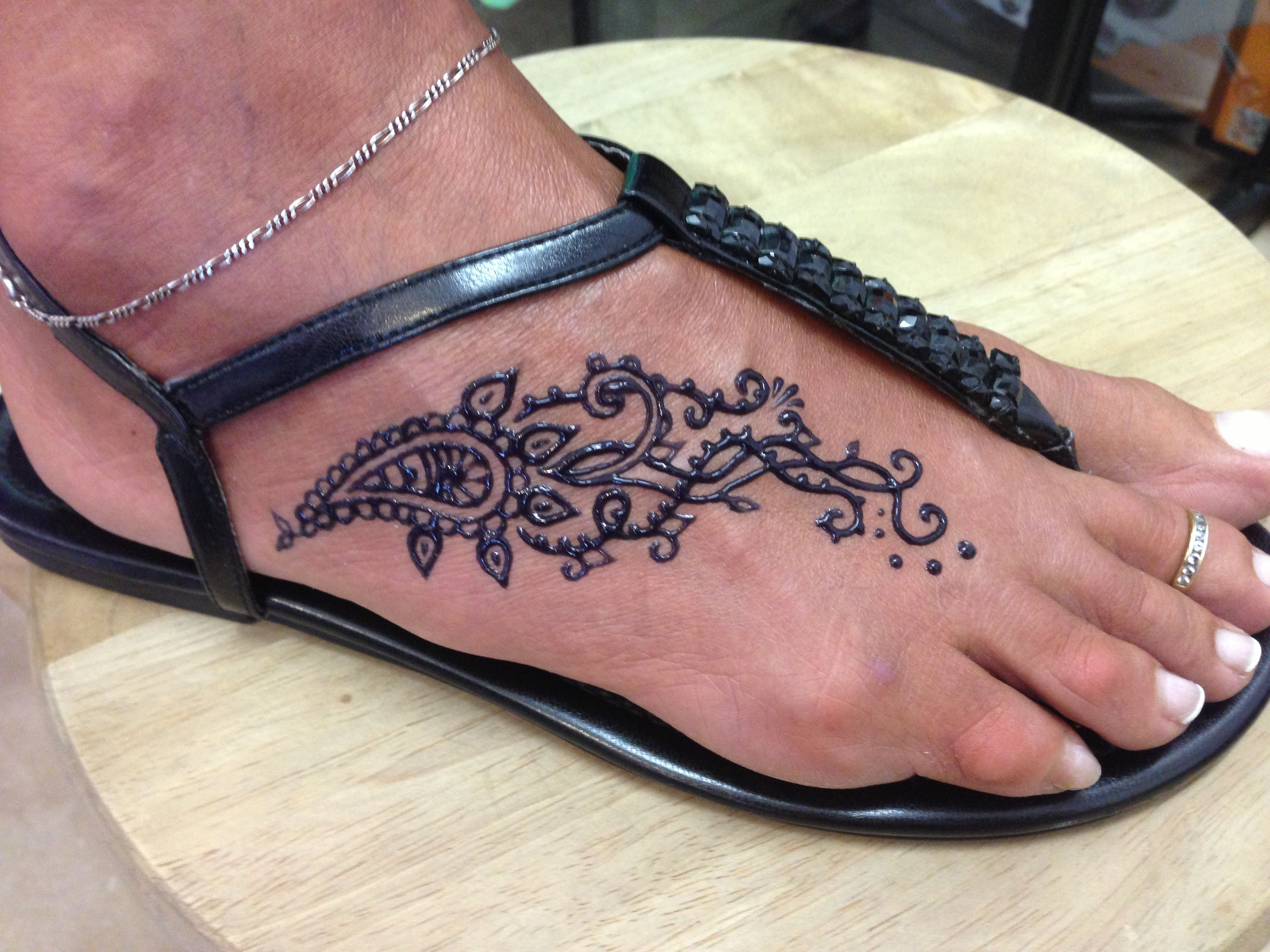 Traditional Henna Tattoo: Traditional Looking Tear Drop And Swirls On Foot Freehand