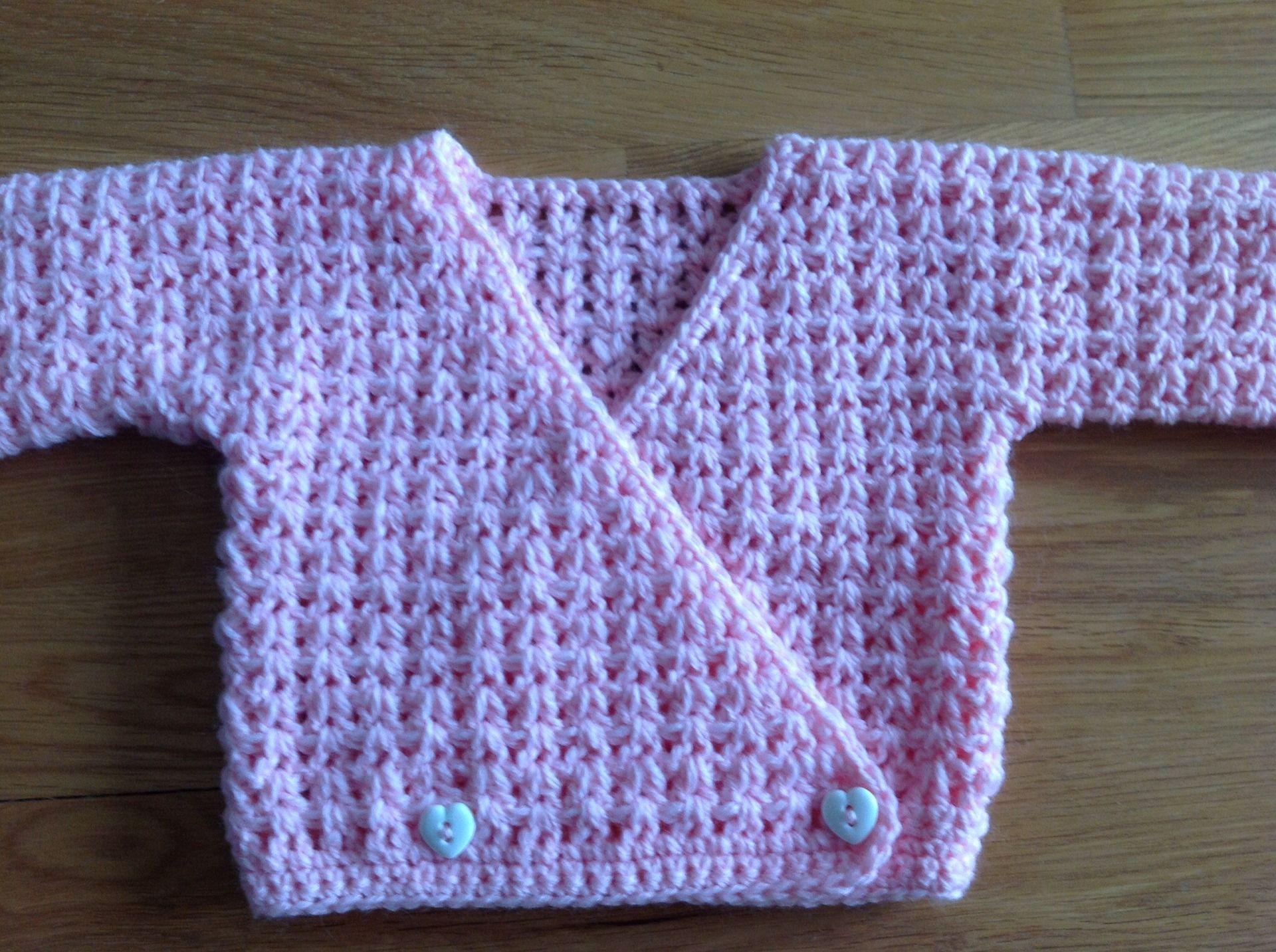 Layette bébé brassière Cache-Coeur Rose au crochet : Mode Bébé par ...