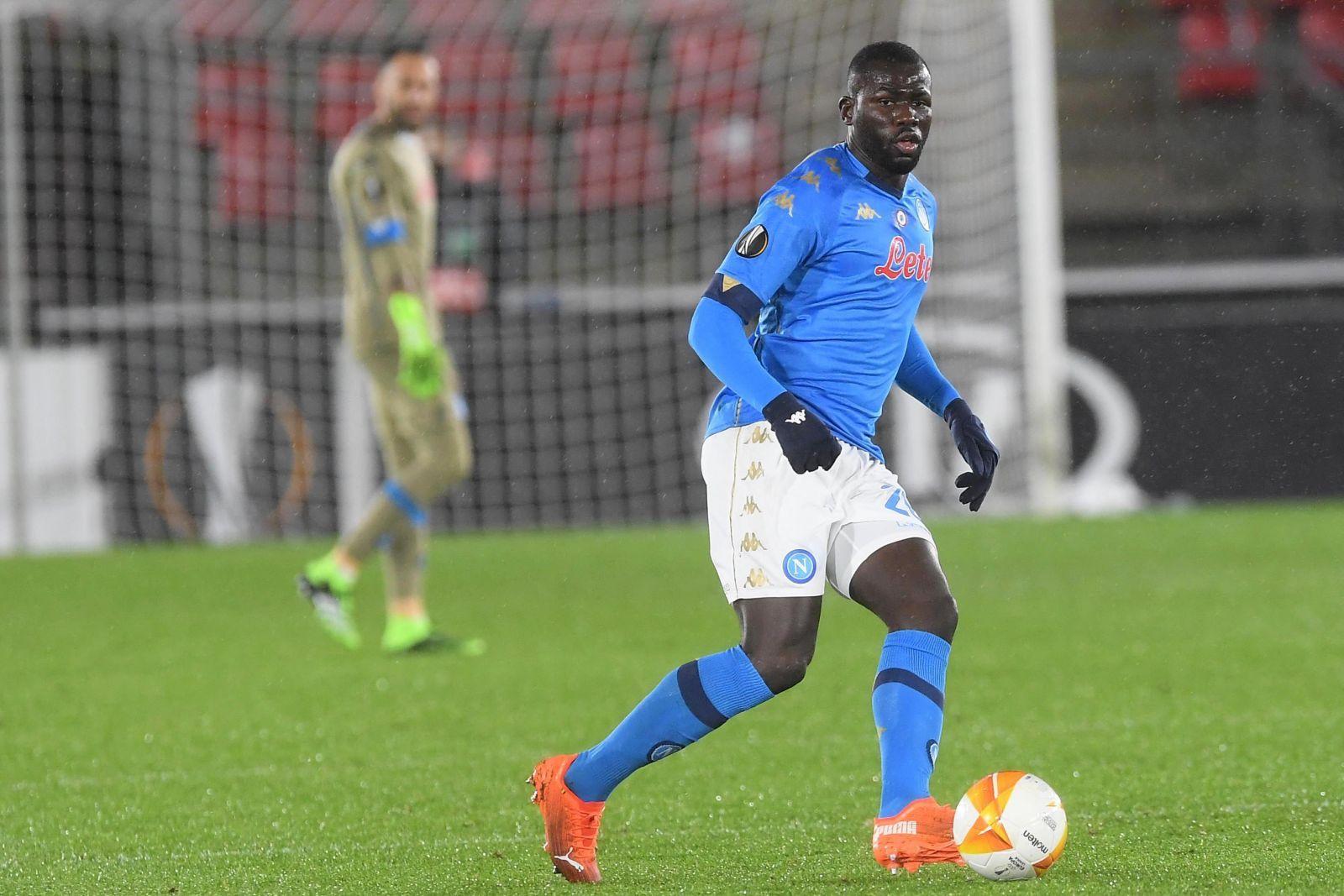 Epingle Par Mongbon Sur Football Liverpool Psg Senegal