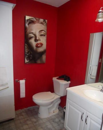 Marilyn Monroe Photo Picture Bathroom Red Paint Wall Phoenix Arizona