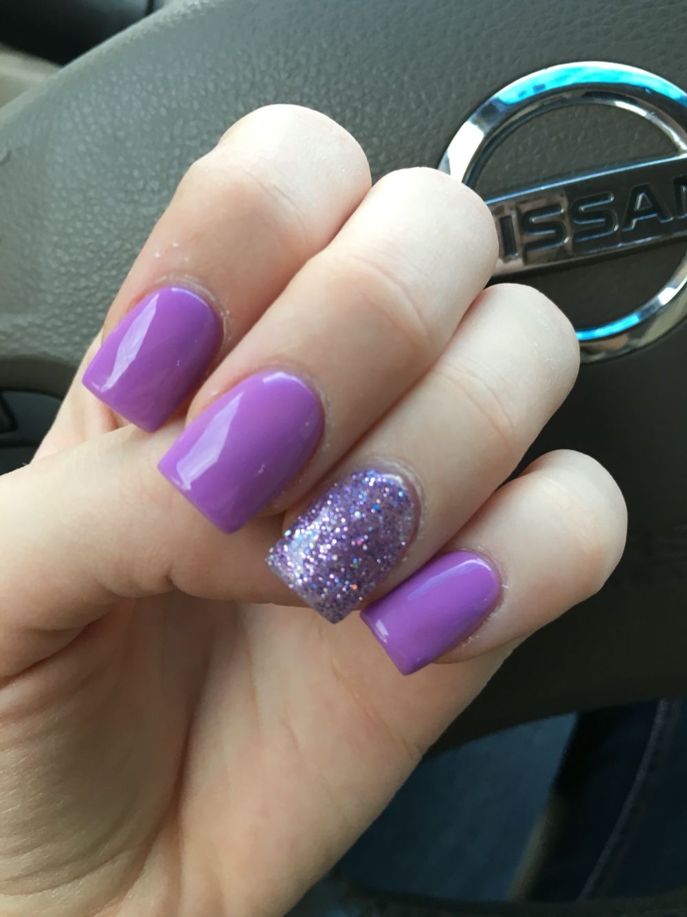 lavender purple nail with glitter