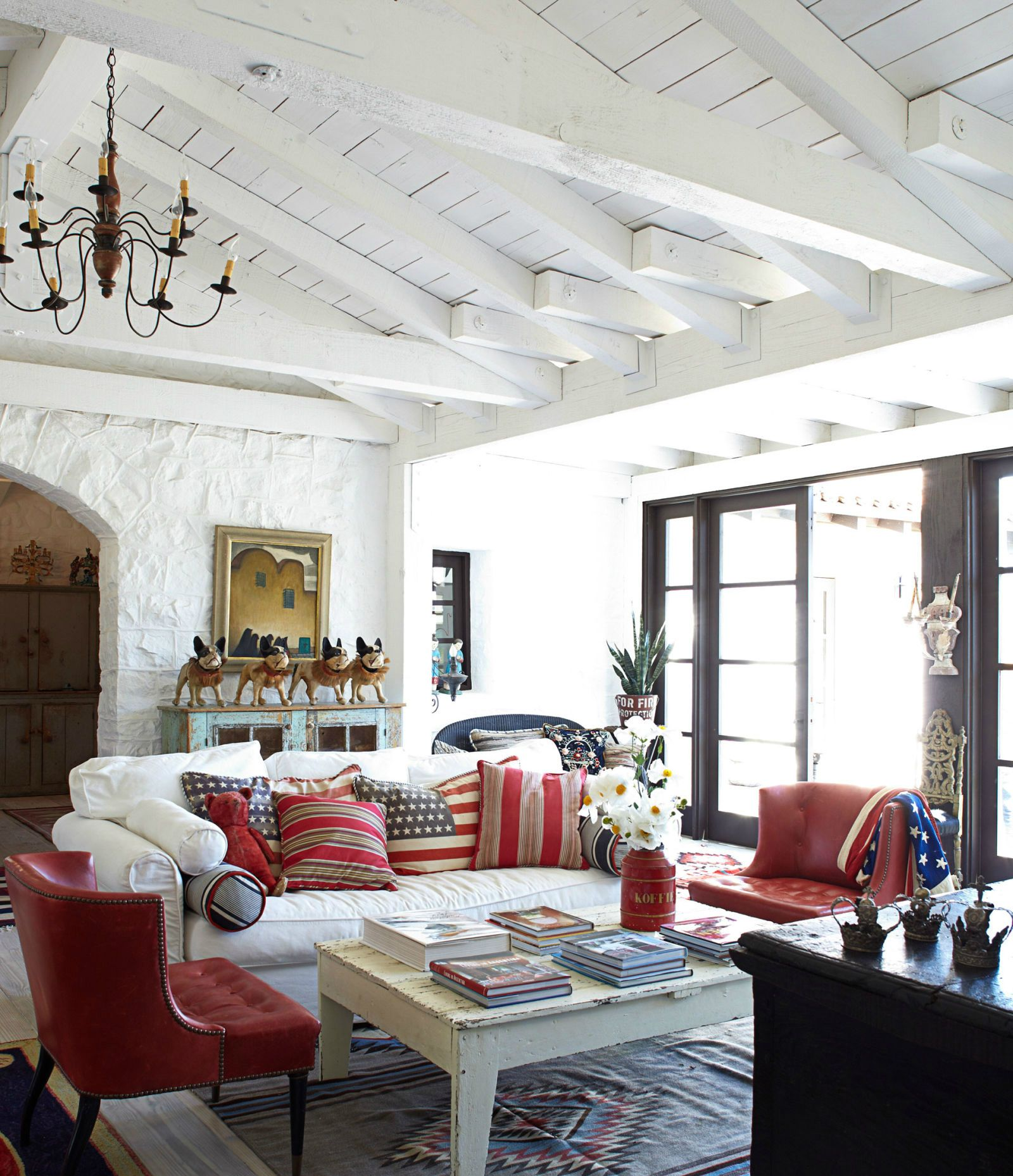 Lake house Spanish Style Homes Country House