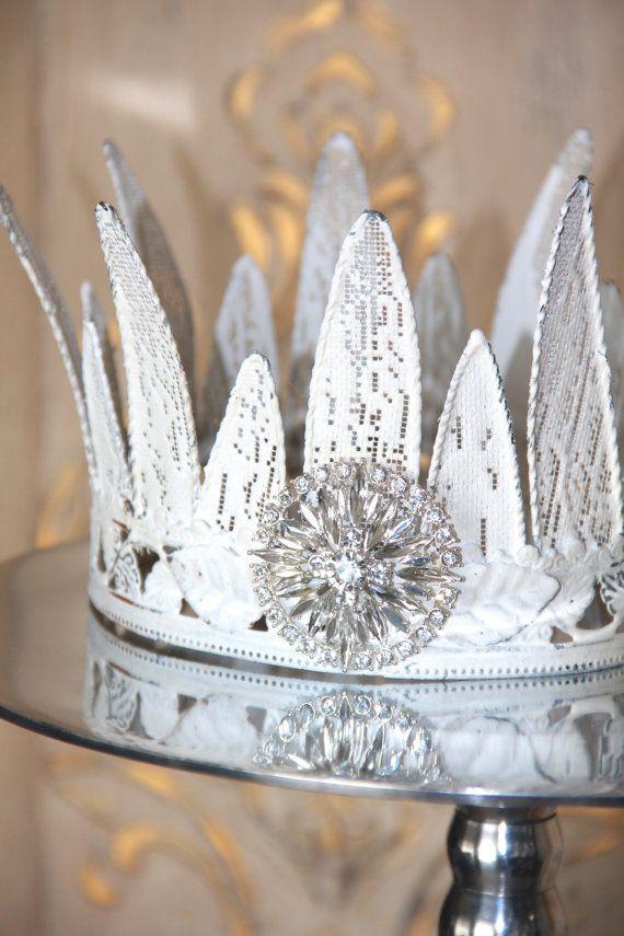 Metal Crown Decor Cake Topper By Mediterraneadesigns