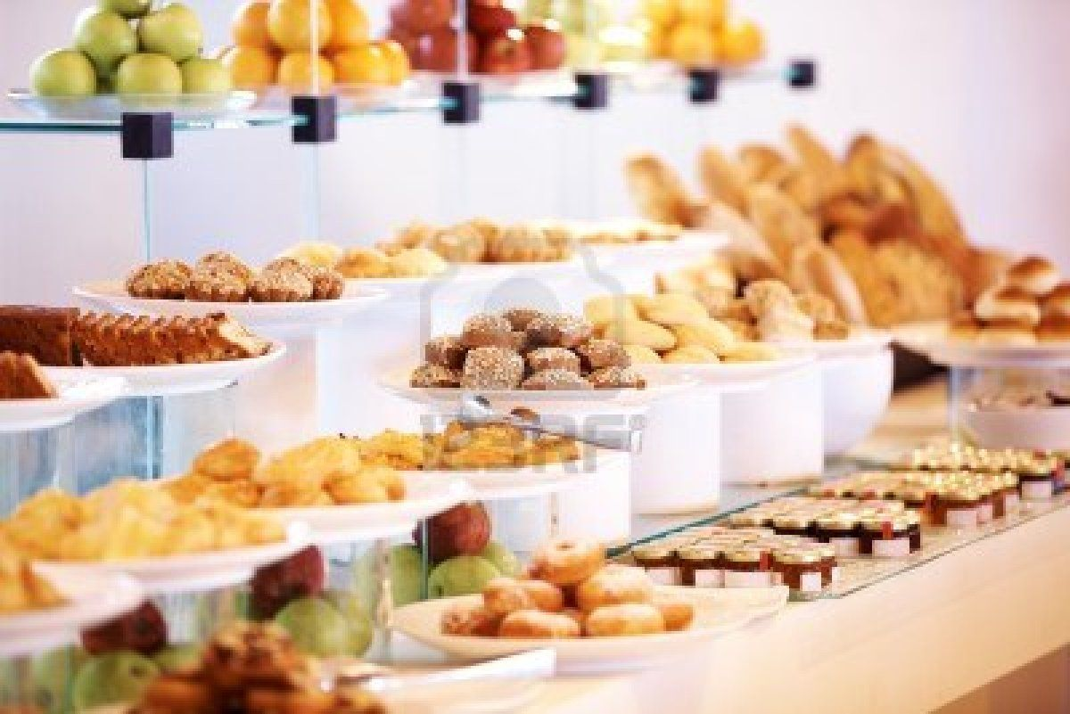 Catering buffet food in luxury restaurant with dessert and for Buffet cuisine en pin