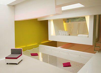 entre le hamac et le lit le filet d 39 habitation est design confortable et offre une s curit. Black Bedroom Furniture Sets. Home Design Ideas