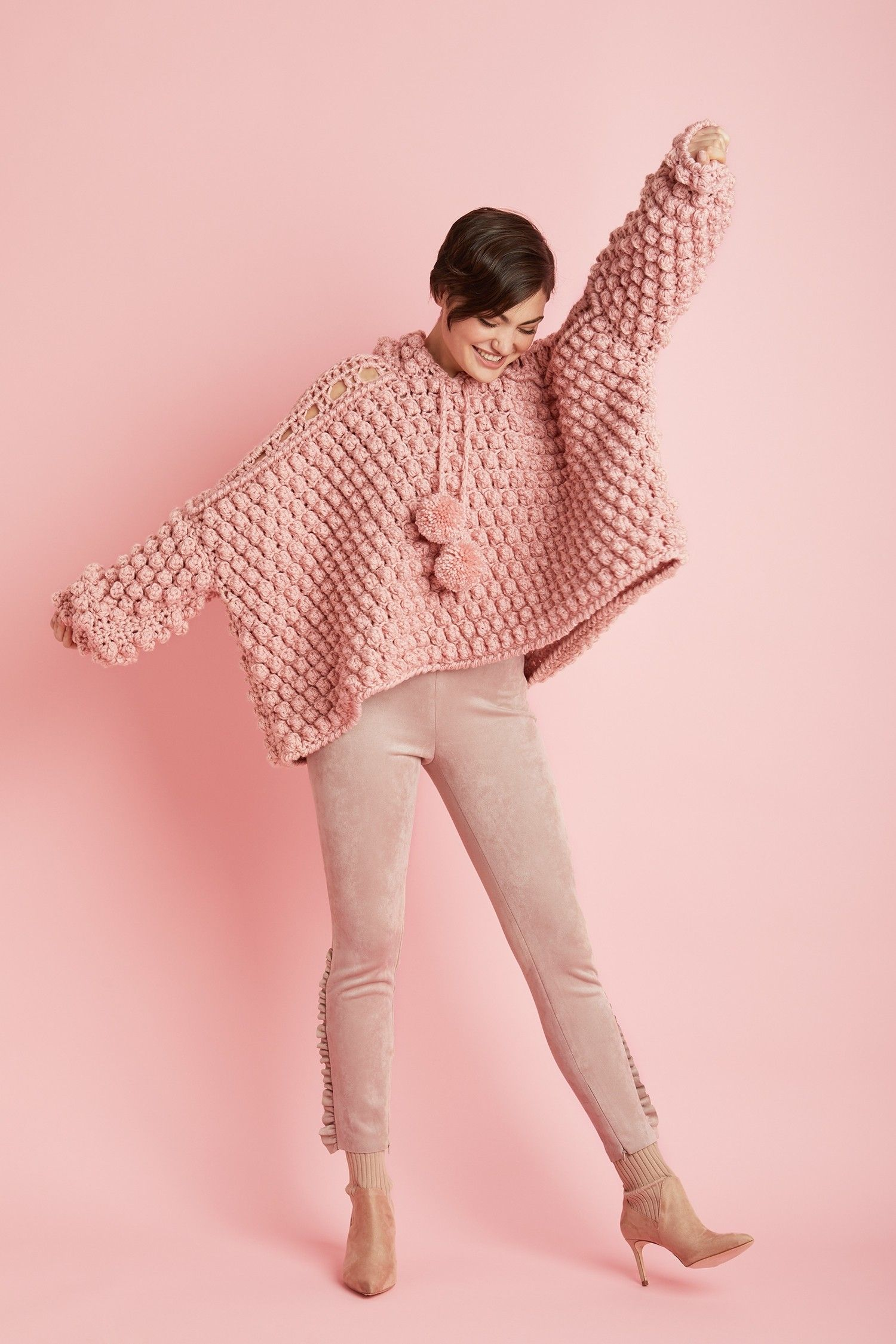 Best Easy Pink Wearables Free Patterns Roundup #crochettunicpattern