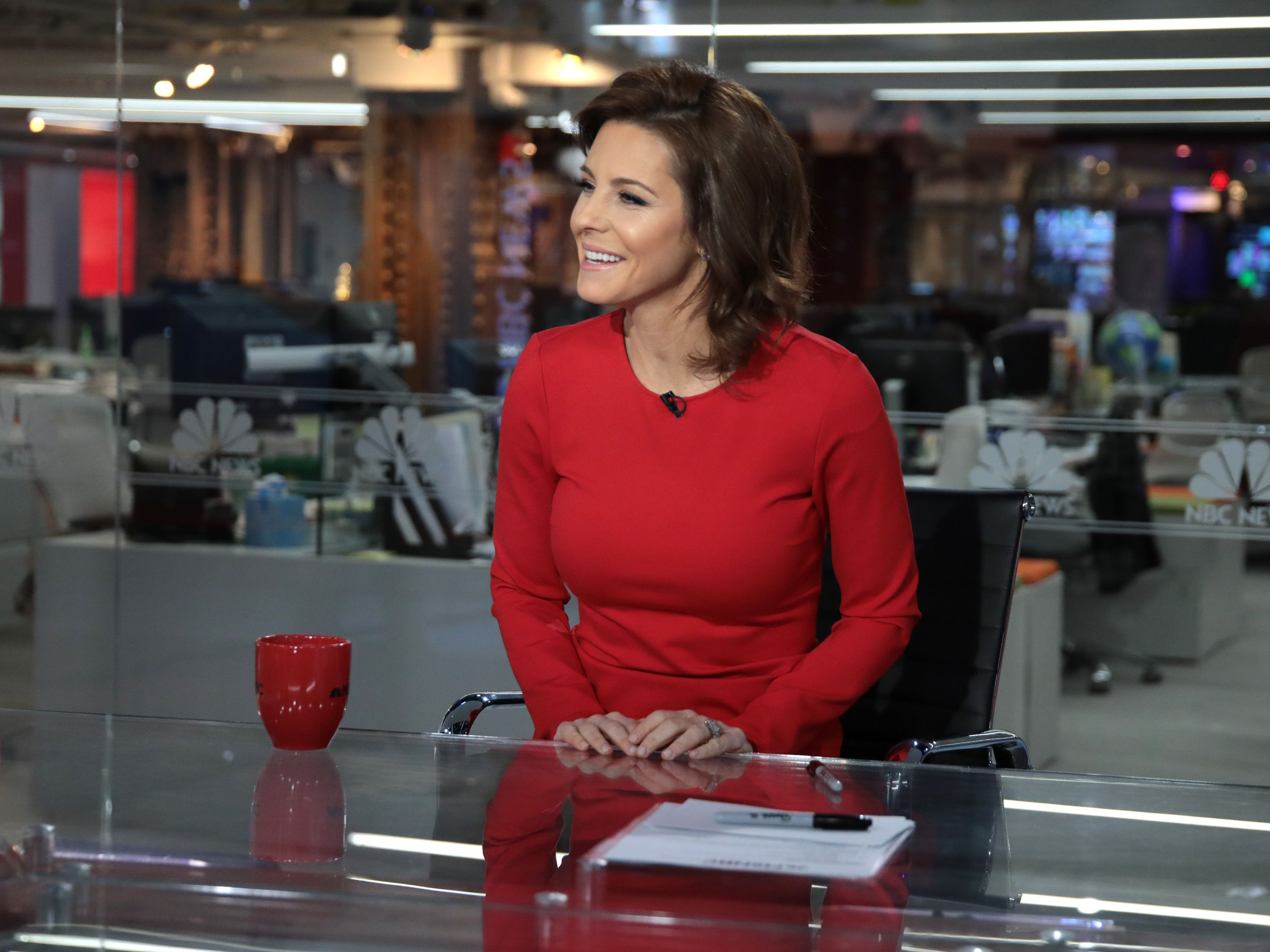 From Banker To Anchor How Msnbc S Stephanie Ruhle Nailed A Major Career Change Career Change Stephanie Meredith Vieira