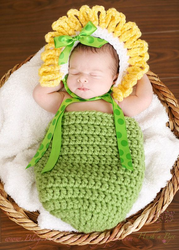 Adorable Newborn Green and Yellow Daisy by JustDandyCreations ...